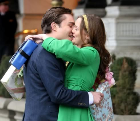 "True or False:In the ""Goodbye Gossip Girl"",Blair tells Chuck that she and Nate broke up."