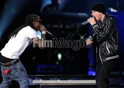 What did Wayne's shirt say at the 2010 grammys?