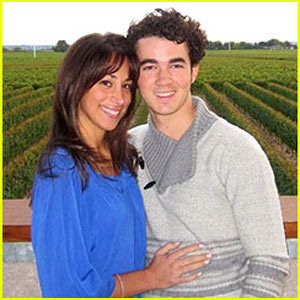 Do u like Danielle Deleasa as kevin jonas wife?