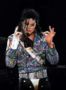 How many concerts did he performed in the Dangerous world tour?