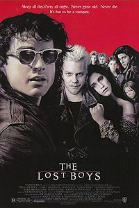 Where do the Emerson family 移動する to in the film 'Lost Boys' ?