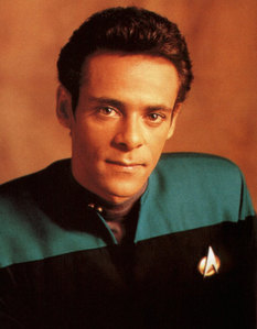 What is the military rank of Doctor Julian Bashir?