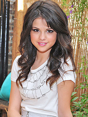What Ethnicity is Selena Gomez?