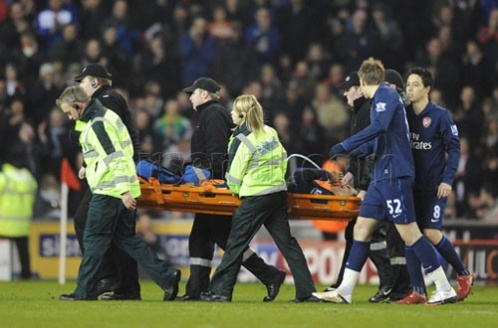 In English Premier League, who injured Aaron Ramsey in Stoke City vs. Arsenal match on February 27, 2010?