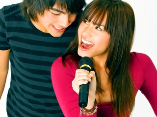 Are Jemi Finnaly Dating?