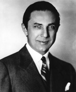 True au False? Lugosi was buried wearing one of the Dracula stage play costumes