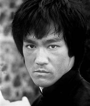 Bruce Lee had how many brothers and sisters ?