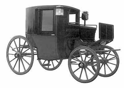 In Victorian times When travelling in a carriage which seat would the man take ?