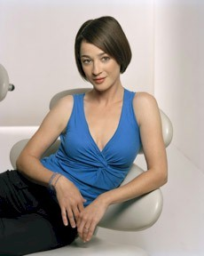 Moira Kelly was in the opening credits in witch season?