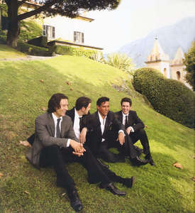 In wich country Il Divo was quadruple platinum with his first album?