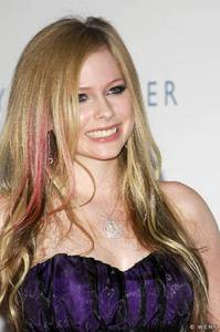 What type of car does Avril own?