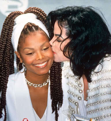 Where Janet was giving award to Michael ?