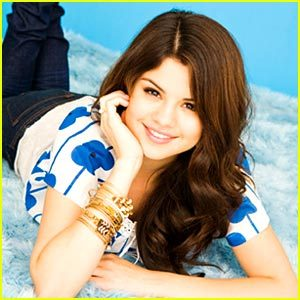 Who does Selena have a crush on, but never went out with him?