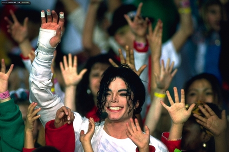The Heal The World musik video was released in...