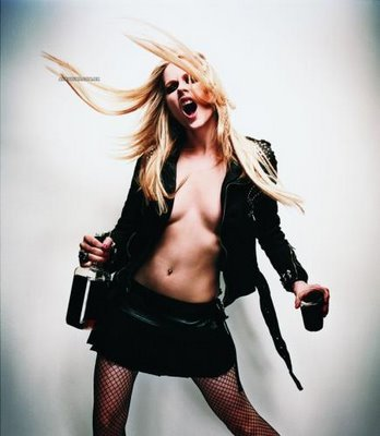 What did avril answer when a cop asked her if she was drunk while driving around in a parking lot?