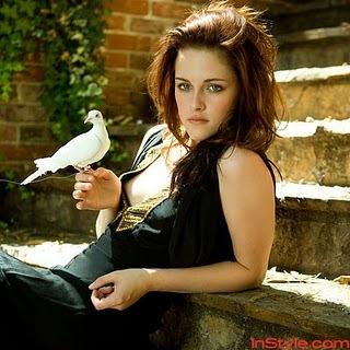 """You are so odd, Bella Swan. I feel like I don't know who bạn are"" who đã đưa ý kiến it?"