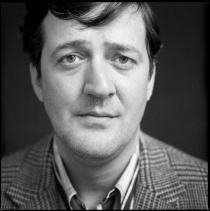 Which award did Stephen Fry win in 2003?