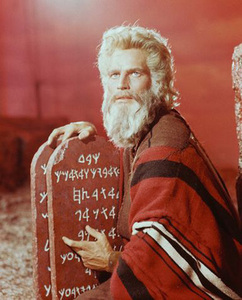 who is the actor as moses this picture ?