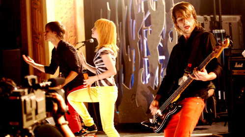 What song Paramore did NOT play at MTV Live?
