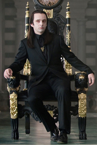 Aro was brother of...??