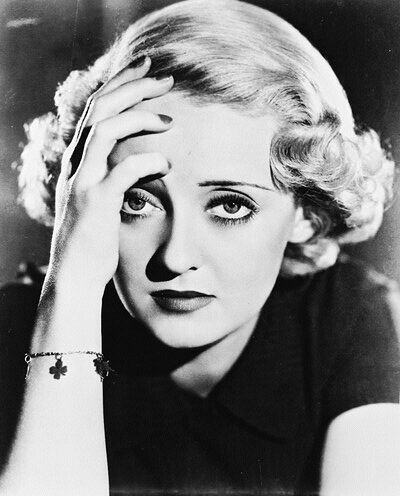 """The film """"The Man Who Played God"""" landed Bette on the path to stardom.In which سال was that ?"""
