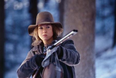 Renee Zellweger received which award as supporting actress for her performance in Cold Mountain?