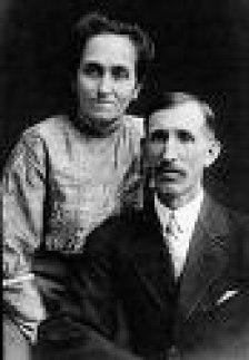 What was Walt Disney's mother, Flora Disney, maiden name?