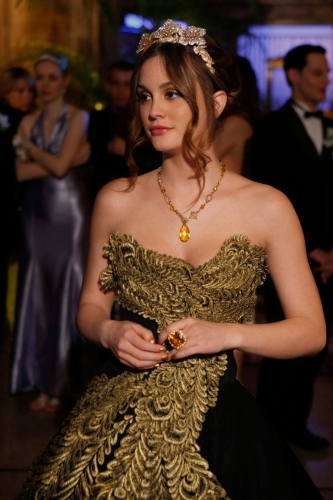 Who was Blair's prom date?