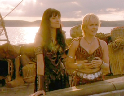 How did Xena and Gabrielle stay alive after drinking poison.