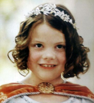 Lucy Pevensie is crowned queen of Narnia and given a title. What is that title?