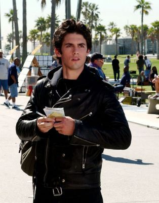 What is the last episode we see Jess wear his well known leather jacket?
