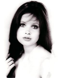 What did buxon beauty Madeline Smith do soon after she was cast in The Vampire Lovers?