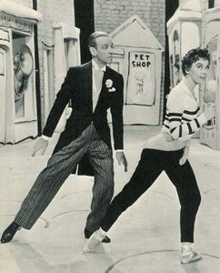 leslie caron movie ? (with ফ্রেড astaire)