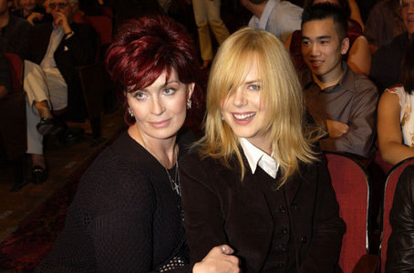 What famous rock n'roll mom is posing with Nicole?