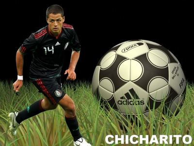 chaska borek y chicharito. Chicharito