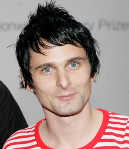 In summer 2010, this muse frontman was first linked to which Hollywood star?