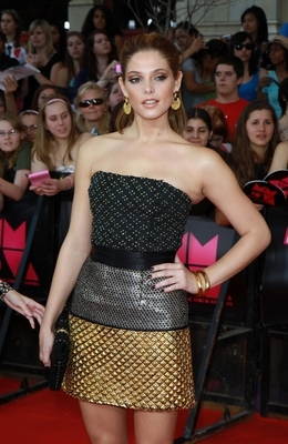 Who designed the dress Ashley wore at MuchMusic Video Awards in Toronto?