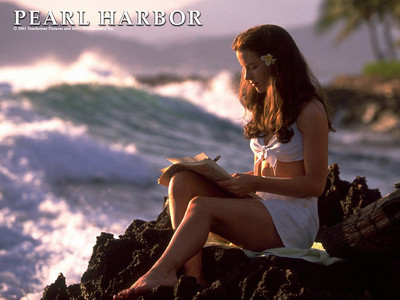 "What's the name of the character she played in ""Pearl Harbor "" ?"