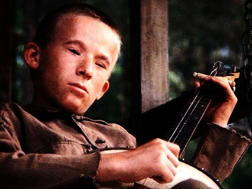 What is the real life name of the boy who played Dueling Banjos in the 1972 classic Deliverance ?
