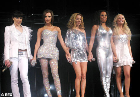 Which Spice Girl was a guest judge for the 2010 auditions?