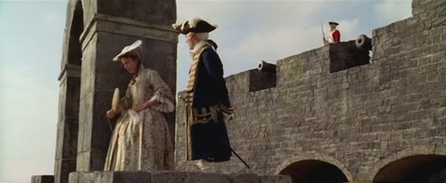 Why did Elizabeth faint in the 'Curse of the Black Pearl'?