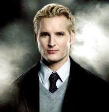 Who plays Carlisle Cullen?
