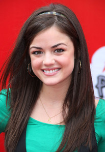 where is lucy hale(aria) born in ?