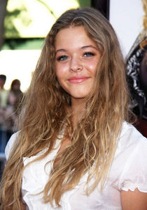 where is sasha pieterse (alison) born in ?