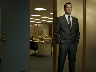 What is the name of the actor who plays Don Draper?