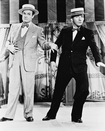 where is bob hope born in ? (bob is left)