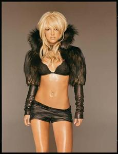 Britney Spears. Britney Spears is like the hottest thing I have ever seen even thought I know a lot of te will disagree with me but I dont care what people say about her I Amore her.
