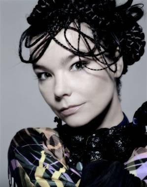 hmmm... i would have to say either kupono from so toi think toi can dance, bjork, imogen heap, ou sanjaya. either one works. i l'amour bjork!