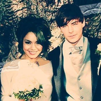 Vanessa hudgens wedding ring