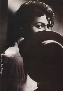 Yes I do it all he time! When im around the house I just talk to him lol. I drew a picture of him the other Tag and I sagte 'What do Du think of it Michael?' lol. I also talk to my posters of him.